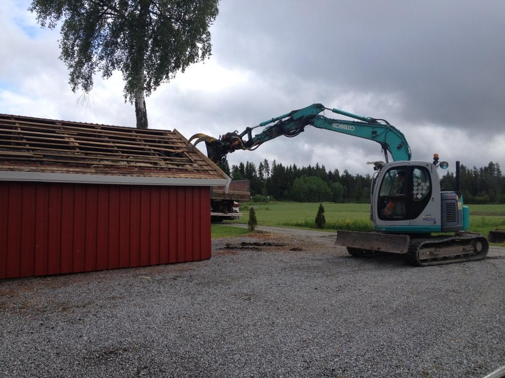 Riving av bygg, Rive hus eller uthus, Garasje, Graving, Planering, Bygge grunnmur